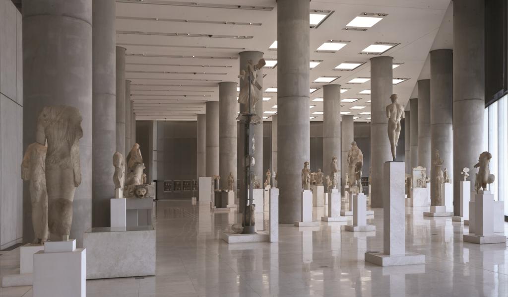 aithousa-archaikis-acropolis