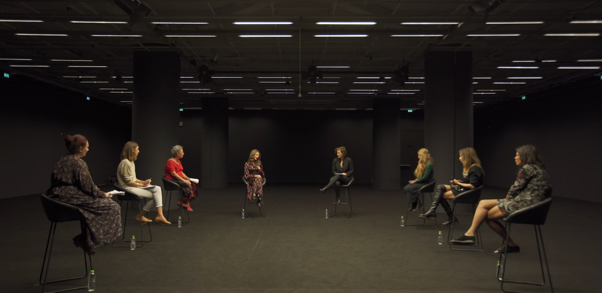 8 Γυναίκες συζητούν: Πατριαρχία, Σεξισμός και έμφυλη βία στην ελληνική κοινωνία_zvoura.gr