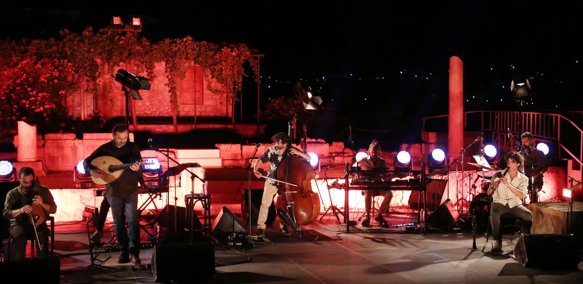 Ανα- παραστάσεις από το Φεστιβάλ Αθηνών & Επιδαύρου_zvoura.gr